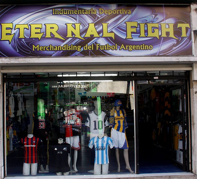 Eternal Fight Indumentaria